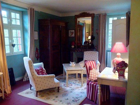 Maison la Croisade : chambre côté salon