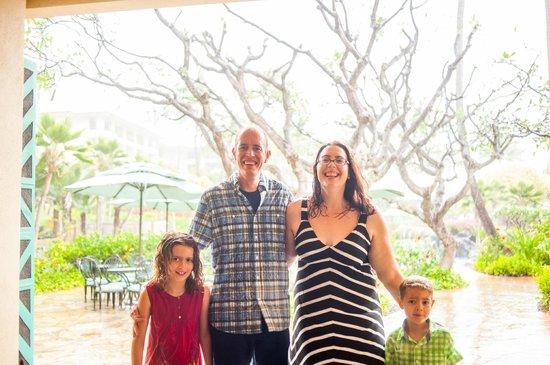 Grand Hyatt Kauai Resort & Spa: Family photo from Pacific Dream Photography