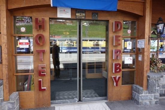 Derby Hotel: entrance