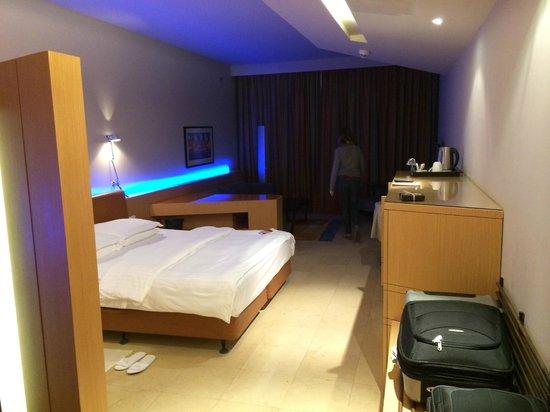 Kempinski Hotel Ishtar Dead Sea: Quarto