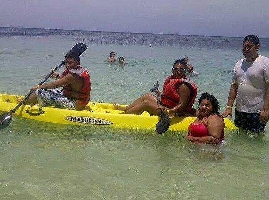 Henry Morgan Resort: Beautiful clear waters!