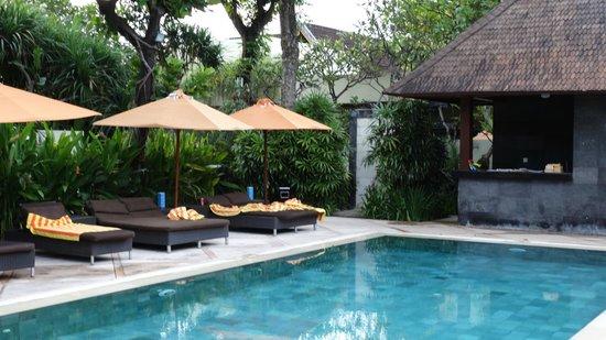 Sun Island Boutique Villas & Spa : piscine