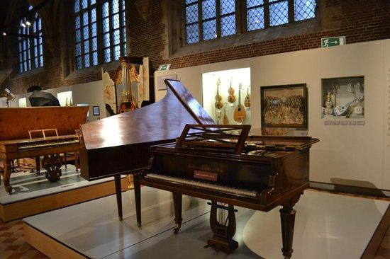 Museum Vleeshuis : Vleeshuis, muziekinstrumentenmuseum