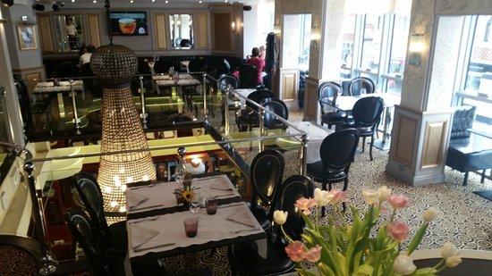 Cafe de Paris: en Mezzanine