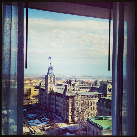 Hilton Quebec: Parliament view