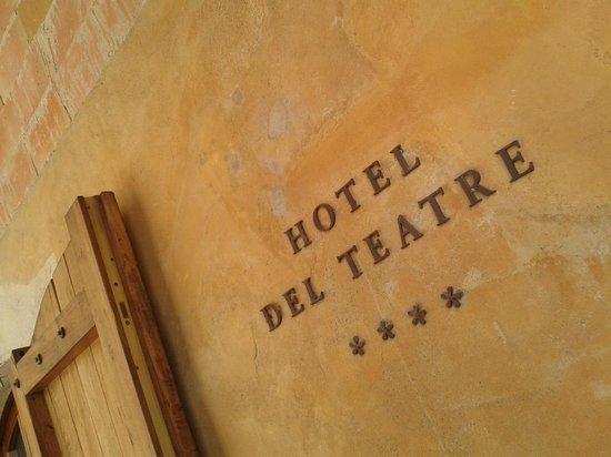 Hotel del Teatre: Entrada hotel