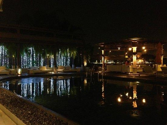 Riva Surya Bangkok : view of pool and river beyond