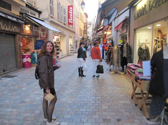 Rue d'Antibes: торговая улица