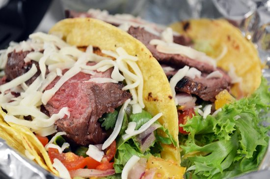 Balance Cafe & Smoothies: Steak Tacos