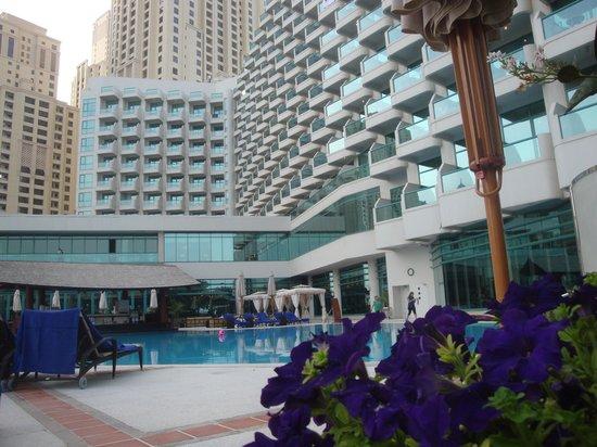 Hilton Dubai Jumeirah Beach: Tirada do resort
