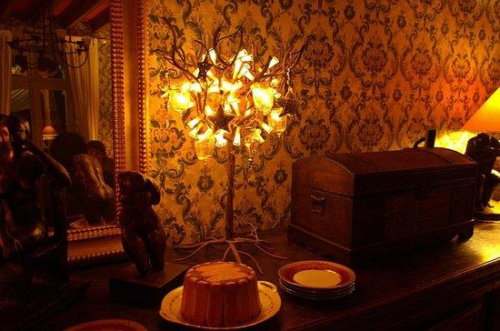 Domaine de la Vivarie: Aristocratic dining space
