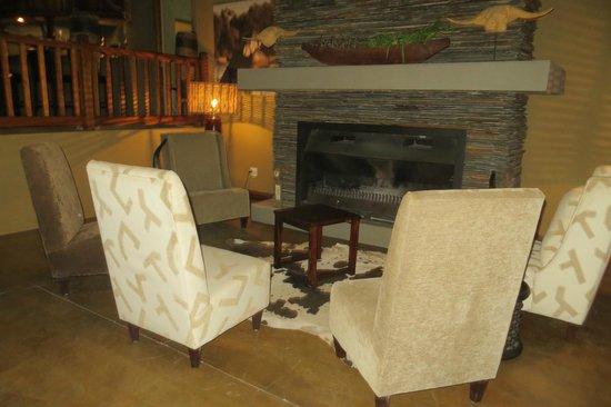 Divava Okavango Resort & Spa : Lounge in the Lodge