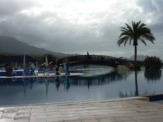 Bahia Principe Costa Adeje : Bottom pool (1 of 3)