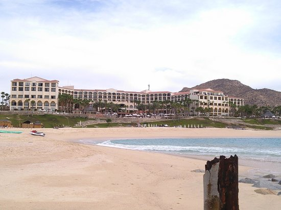 Hilton Los Cabos Beach & Golf Resort : Resort view from the cove