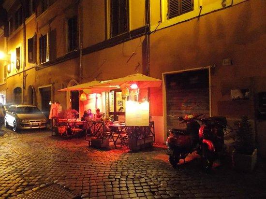 Trastevere : Típicos restaurantes.