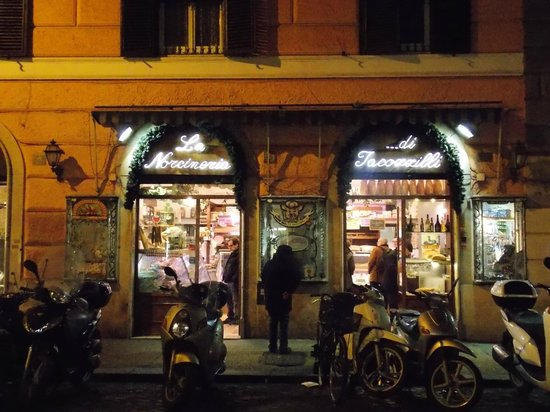 Negocios en Trastevere.