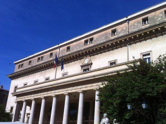 Vieil Aix: Palais De Justice D'Aix-En-Provence. Copyright Tarkowski Vladimir.
