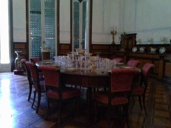 Villa Pignatelli: sala da pranzo