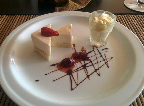 Shinagawa Beach by Asia Leisure: Cheese Cake with Passion fruit Ice cream