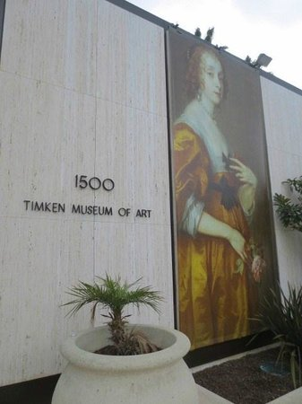 Timken Museum of Art : 壁面