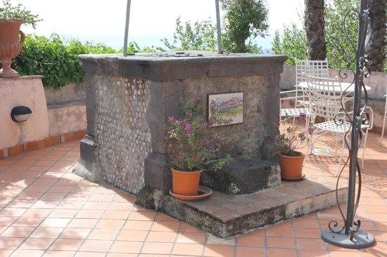 Agriturismo Il Ciliegio dell'Etna: Pozzo..