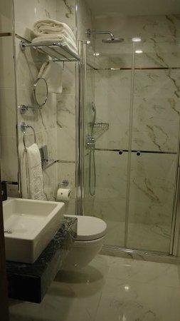Dosso Dossi Hotel Old City : Bathroom 301