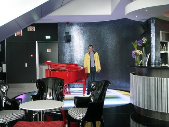 Myriad by SANA Hotels: Zona del bar