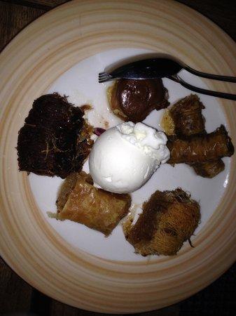 Daios Cove Luxury Resort & Villas: Dessert Buffet