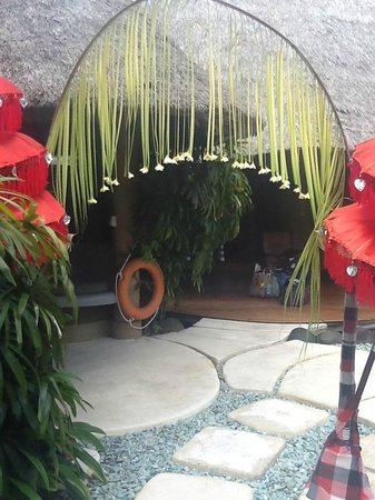 Impiana Private Villas Seminyak : Our Birthday Welcome into our Villa