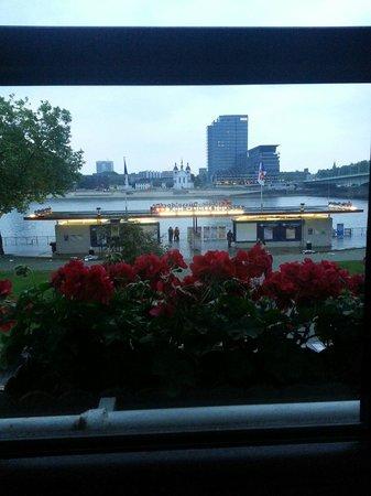 Altstadthotel Löwenbräu: Room view