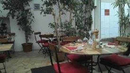 Le Boucher: La salle façon jardin interieur