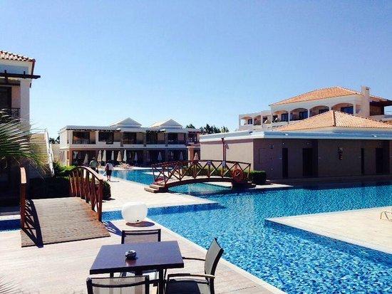 La Marquise Luxury Resort Complex : ein kleiner Teil der Poolanlage