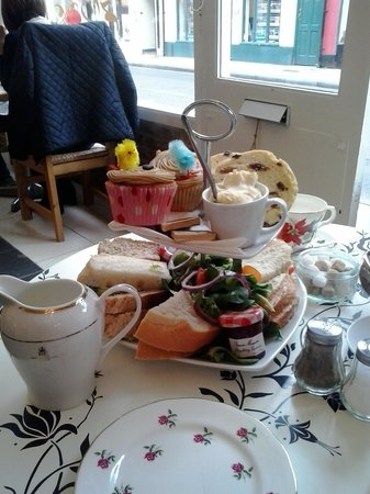Lavender Tea Rooms: afternoon tea