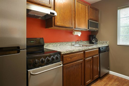 TownePlace Suites Tampa North/I-75 Fletcher : Two Bedroom Suite Kitchen