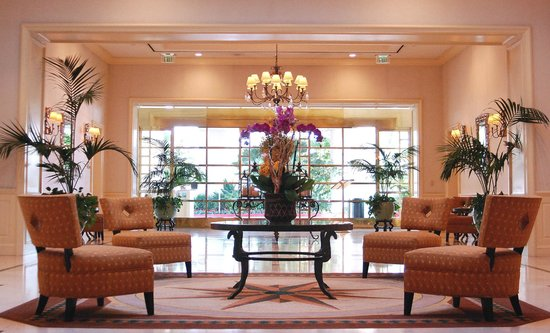 Doubletree by Hilton Torrance - South Bay: Signature Lobby Photo