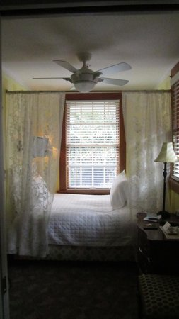 West End Guest House: Cozy Double!