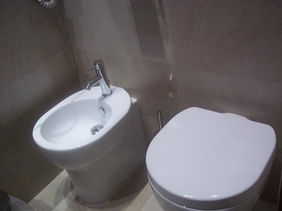 Hotel Navona : Bathroom