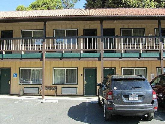 Yosemite Westgate Lodge : Parken direkt vor der Tür