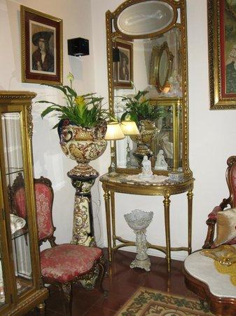 Hostal L' Antic Espai : reception area