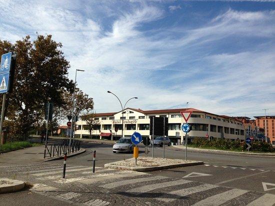 Orologio Hotel Ferrara: L'hotel visto dall'esterno