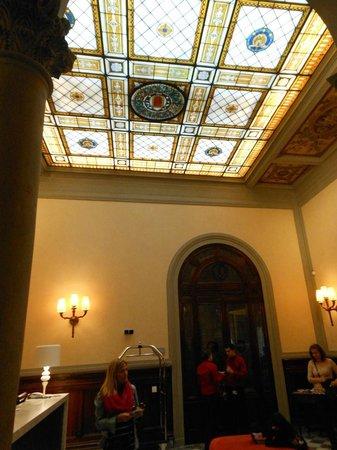 NH Collection Firenze Porta Rossa: Reception del NH Porta Rossa