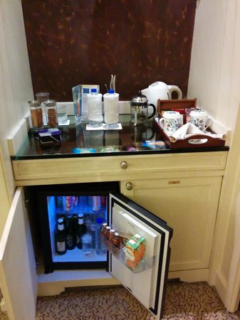 ITC Windsor, Bengaluru: Mini Bar / In-Room Coffee