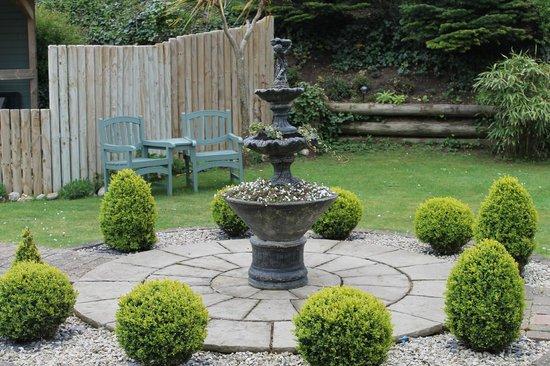 Ashbourne House B&B: The Garden