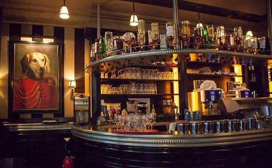 Cafe des Officiers : the Bar