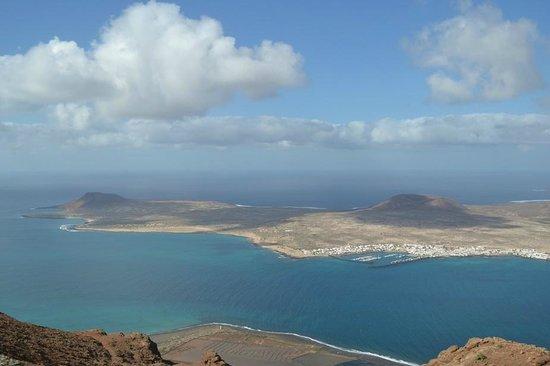 Mirador del Rio: Вид на остров Грасиоза