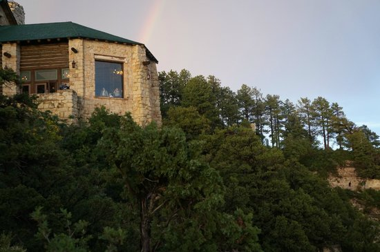 Grand Canyon Lodge - North Rim: Utsiktsplatsen från the Lodge