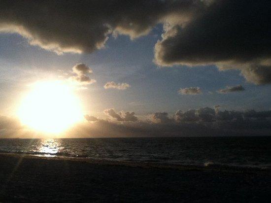 Viva Wyndham Fortuna Beach: Gorgeous sunrises!
