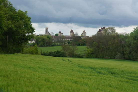 French Mystique Bike Tours: Chateaus and fortresses