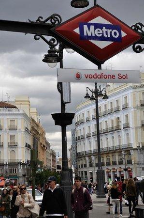 Metro Vodafone Sol e Hotel Moderno