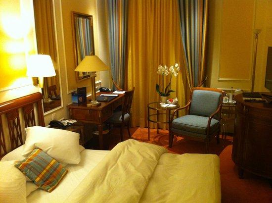 Hotel Schweizerhof Zürich: Room #210